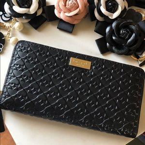 NWT Kate Spade ♠️ Spade Embossed Leather Wallet